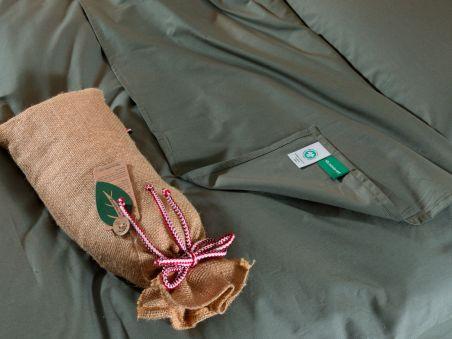 Le drap plat vert émeraude