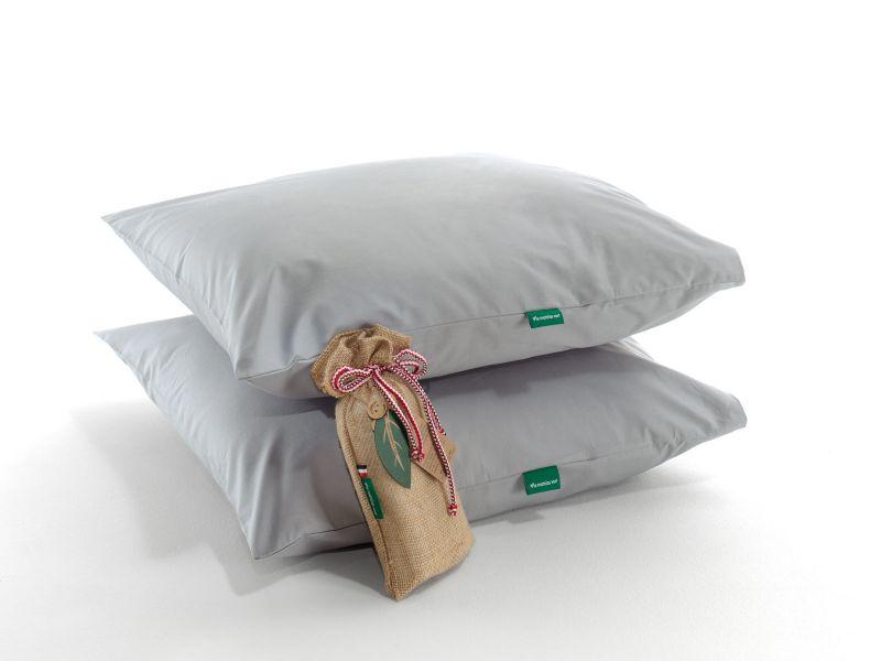 Les taies d'oreillers grises