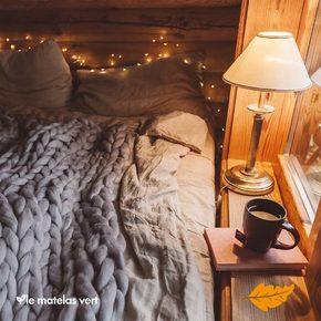 Ahhh l'#automne , le rêve de ne plus se réveiller lorsque le réveil retentit et de rester dans son #lematelasvert ✅ confortable, douillet, idéal pour entamer cette extraordinaire saison et les mois plus frais qui arrivent… 🧘♀️