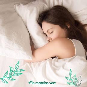 Avoir un oreiller confortable est plus essentiel pour certains qu'un bon matelas, c'est pourquoi nous avons travaillé dur pour proposer 3 oreillers naturels dans des conforts différents : -L'oreiller Unico : souple avec un bon maintien sur une enveloppe en coton biologique ☁️ -L'oreiller latex naturel : doux, ferme et un peu plus plat ☁️☁️ -L'oreiller en laine d'élevages biologiques, le plus gonflant de la gamme ☁️☁️☁️  Venez découvrir notre sublime gamme saine pour la santé #lematelasvert sur www.lematelasvert.fr 🌱🇫🇷  #matelas #literie #naturel #bio #madeinfrance